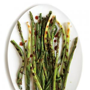grilled-green-onions-spicy-asparagus-hoisin-ck_0