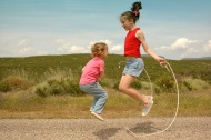 girls-jump-rope