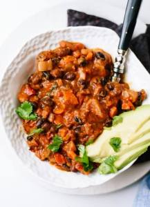 best-vegetarian-chili-5-550x757