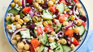 mediterranean-chickpea-salad-1526077481